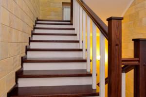 Галерея Реставрация лестниц